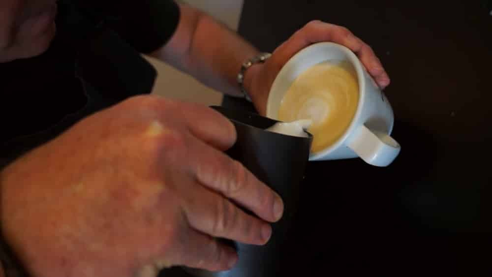 how_to_make_a_cappaccino_at_home_1